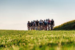 Stronger together, we ride Black and Bike 🖤🔥 . . . #cycling #rideblackandbike #cyclinglife #velo #bicicleta #bikeporn #behindthescenes #sortiegroupée #trekbikes #ride_bmc #cubebikes #touslesmercredis #joinus #pourtous #sortieblackandbike #bikeshop #strongertogether #lifebehindbars #photography #photoshoot #amazingpic