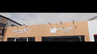 Black and Bike est un espace entièrement consacré à la pratique du vélo et bien plus encore. 🚲 Débutant ou expérimenté, VTTiste ou routier, que vous cherchiez un nouveau vélo ou que vous souhaitiez faire réparer le vôtre, nous serons en mesure de répondre à vos besoins. Vous vous sentirez ici comme chez vous ! 🤗  📍 Chaussée de Philippeville 144A, 6280 - Gerpinnes ☎️ 071 51 65 40 . . #blackandbike #bikeshop #tournage #videoclip #rideblackandbike #arpeggiocommunication #bikeporn #behindthescenes #discoverus #roadbikes #vtt #ebikes #gravelbike #bicicleta #magasindevelos #gerpinnes #charleroi #bikeporn #rideforlife #cubebikes #trekbikes #ride_bmc