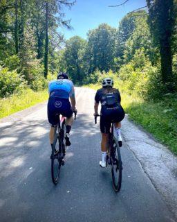 A sunny Monday riding your bike, what else could you ask for ? ☀️🚴 . . . #blackandbike #sunnyride #thesunisback #trekbikes #ride_bmc #bmcswitzerland #ridebontrager #kask #vermarcsport #rideblackandbike #nature #belgium #bicicletta #behindthescenes #restday #tomorrowisanotherday #bikeshop #cyclinggirl #cyclingboy #enjoy #roadcycling #mondayoff